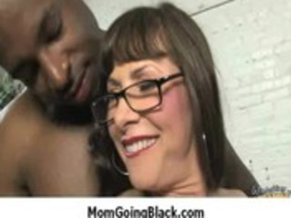 see hawt sexy mommy getting fucked by big black