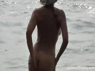 voyeur fucks hawt d like to fuck on the beach