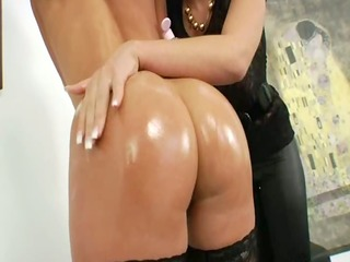 lezz anal honeys using brutal dildos