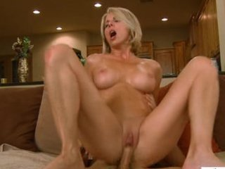 mature wife booty fucking facial