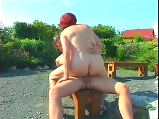 plump mature redhead screwed outdoors