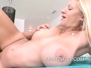 constricted cookie d like to fuck with big bra