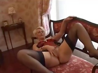 golden-haired mother id like to fuck has a fiddle