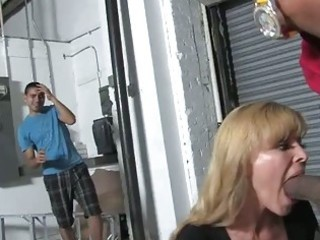 blonde mother nicole moore receives group-fucked