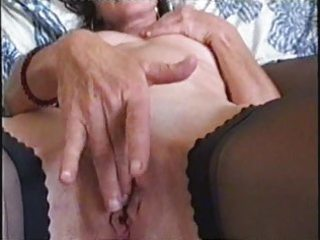 aged large lipped snatch fingering