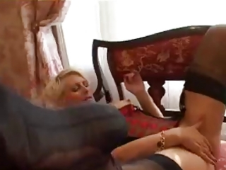 blond d like to fuck has a fiddle