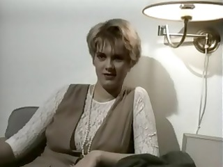 Classic vintage amateur solo action with a busty