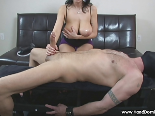 amazon milf with massive natural tits gives