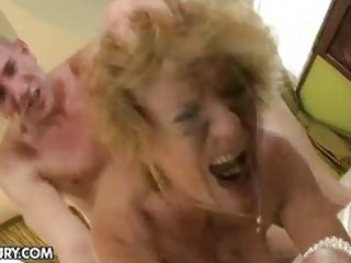 milf acquires her hairy cookie stuffed by a dude