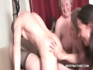 older hawt babe cunt fucked to orgasm in group sex
