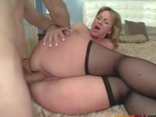 large gazoo mommy loves anal sex