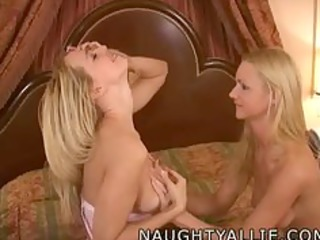 allie julie fuck a double headed sextoy lesbo