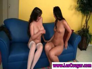Milf and teen lesbians with the busty milf eating