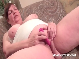 plump older vibrating hungry cum-hole