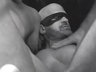 dark white and sexy - scene 10