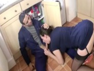 british d like to fuck blows plumber