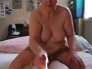 my wench older aunt jerking my rod