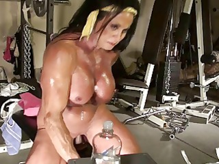 lynn live muscle web camera