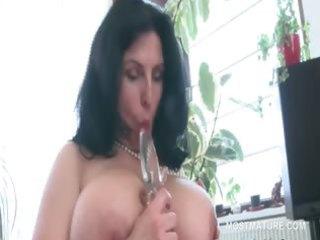 breasty aged big beautiful woman tries sex toys