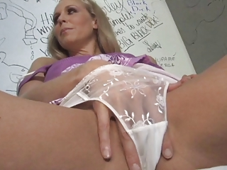 milf julia plays with a bbc at the gloryhole