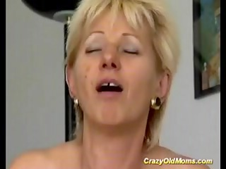 crazy old mamma gets screwed hard sucking pounder