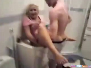 partyslut lets her friends see