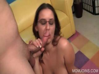 lustful mom fur pie screwed on bed