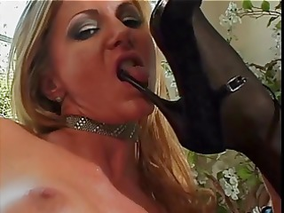 hawt blonde and brunete lesbo toy fondle snatch